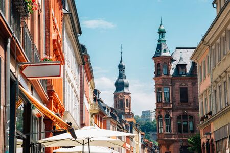 Old town Hauptstrasse main street and Heiliggeistkirche, Church of the Holy Spirit in Heidelberg, Germany 版權商用圖片