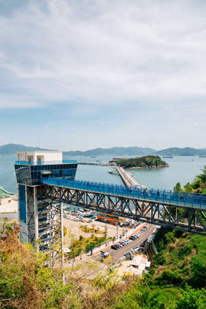 Panoramic view of Yeosu port and Odongdo Island and sea from Jasan Park in Yeosu, Korea 免版税图像