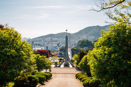 Dolsan park and downtown view in Yeosu, Korea 免版税图像