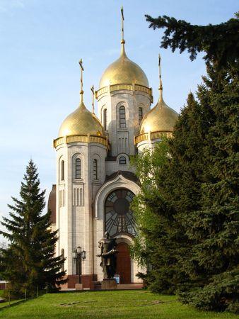 Tipo su un tempio ortodosso di tutte le sacro in Volgograd in estate, (simile immagini nel mio portafoglio) Archivio Fotografico - 630634