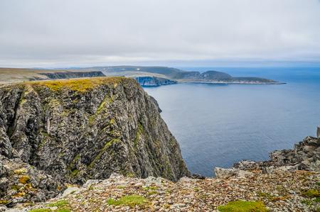 フィンマルク県、ノルウェーの Mageroya 島の北でバレンツ海と北岬 (様々)