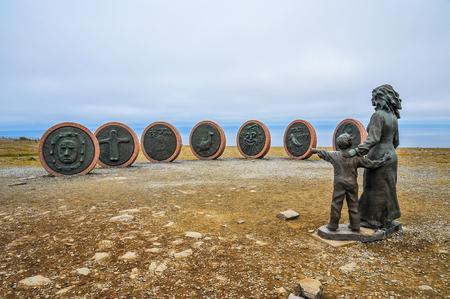 Gedenkteken van overleden vissers in Honningsvag, Noorwegen, Noordkaap, Noordelijk van Europa