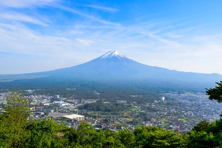 Mount Fuji view from Tenjo-Yama Park at top of Mount Kachi Kachi Ropeway in Kawaguchiko, Japan Stok Fotoğraf