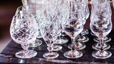 Close up picture of empty crystal wine glasses in restaurant 스톡 콘텐츠