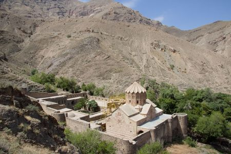 St. Stephanos Church en Iran pr�s de Jolfa. Big fortification
