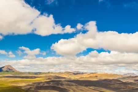 crater highlands: Ver coloridos cerros en la zona de Myvatn - Islandia D�a soleado consumidor