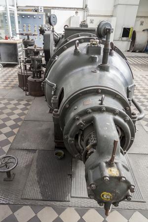 turbina de vapor: Antiguo turbina de vapor - Polonia.