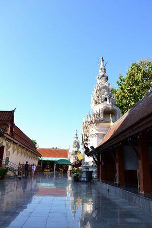bouddhisme: Le bouddhisme en Tha�lande Belle Editeur