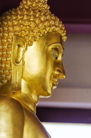 encouraged: Sukhothai Buddha As regards the respect And encouraged to have fought with their lives.