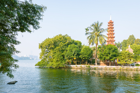 Tran Quoc pagoda the oldest buddhist temple in Hanoi in day , Vietnam Banco de Imagens