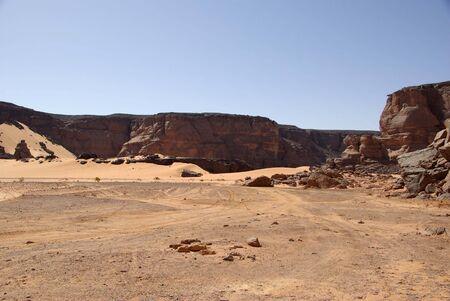 libysch: Trail in libyschen W�ste