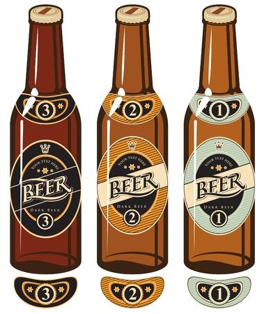 botellas de cerveza: tres botellas de cerveza con etiquetas