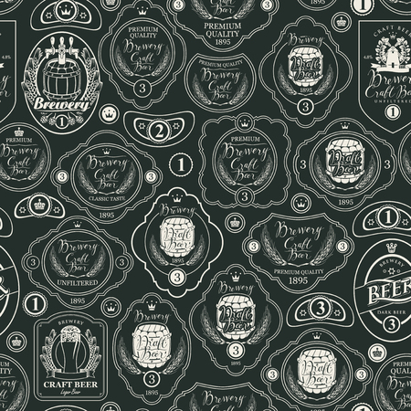 Vector seamless pattern on the theme of beer with various beer labels with images of wooden barrels, ears of barley, beer glasses and other in retro style. Drawing chalk on the blackboard Banque d'images - 108636609