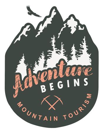 Reisebanner oder Wimpel im Retro-Stil mit schneebedeckten Bergen, Tannen, fliegenden Adlern und Inschrift das Abenteuer beginnt