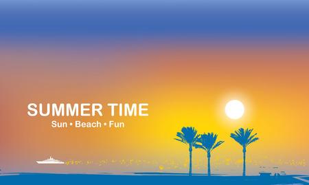 Bannière de voyage de vecteur avec des mots Heure d'été. Paysage marin tropical avec des silhouettes de palmiers et un bateau blanc dans la mer au coucher du soleil. Affiche d'été, flyer, invitation, carte. Soleil, plage, amusement