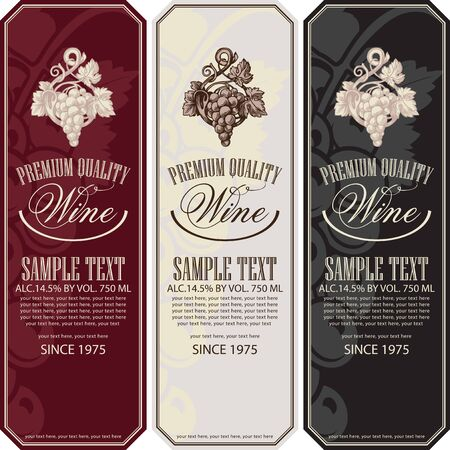 Vector set of vertical wine labels with bunches of grapes, calligraphic inscriptions and place for text in retro style. Vettoriali
