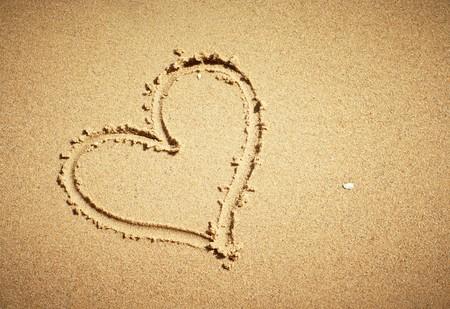 Heart drawn on sand. Horizontal composition. Stock Photo - 7629727
