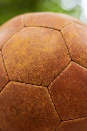 leather ball: Bola de cuero viejo, portarretrato.  Foto de archivo