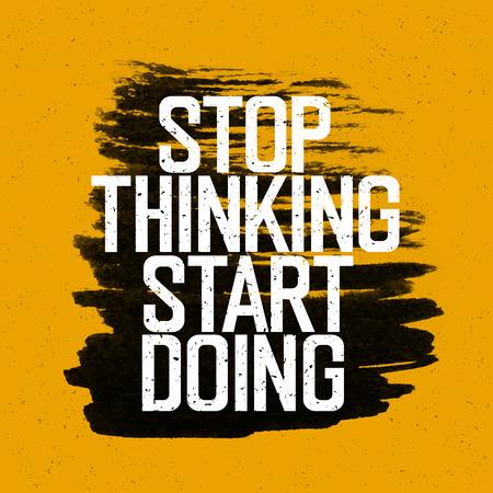 """Cartel de motivación con las letras """"Deja de pensar empezar a hacer"""". En amarilla textura de papel. Ilustración de vector"""