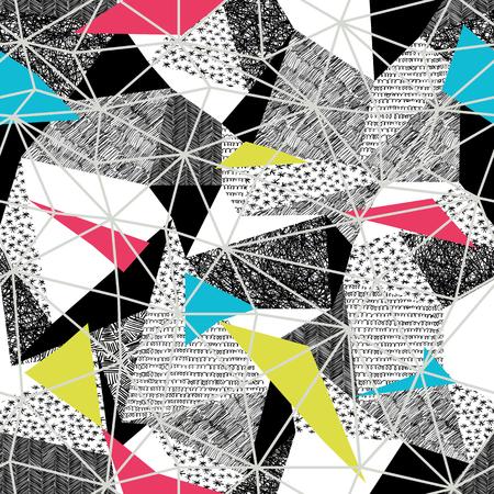 Le modèle géométrique sans soudure dans le style pop-art rétro. Modèle vintage. Triangles et motifs dessinés à la main. Light Grey Facettes triangulaires. Modèle vectoriel. Triangles transparents en couleur rose et cyan et jaune