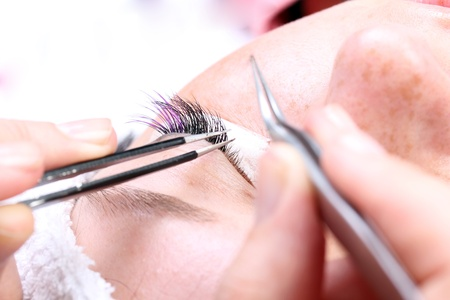 tweezers: Making artificia long colorl lashes