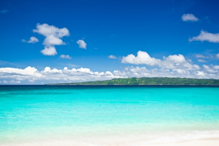 boracay: Beautiful beach with turquoise water and white sand