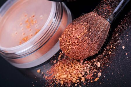 Face foundation powder product with crumbled texture photo