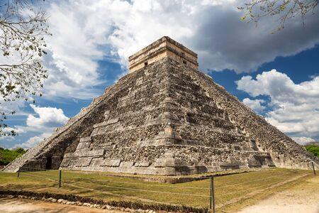 kukulkan: El Castillo The Kukulkan Temple of Chichen Itza mayan pyramid in Yucatan Mexico