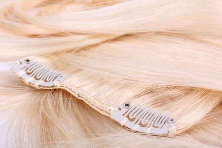 Blond hair extension, clips details Stockfoto