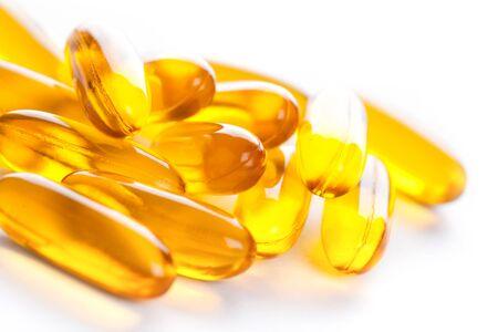pastillas: Píldoras geles suaves con Omega-3 de aceite en blanco