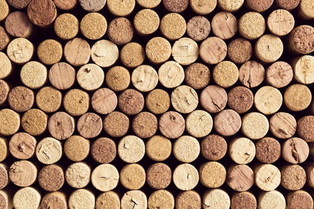 Background pattern of different wine bottle corks, winery texture, food concept and top view Imagens