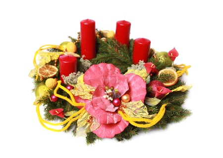 adventskranz: advent decoration isolated on white
