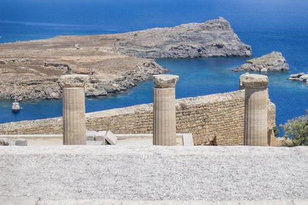 Lindos 도시에서에서 아크로 폴리스의 상단에서 볼 그리스에서 로도스 섬