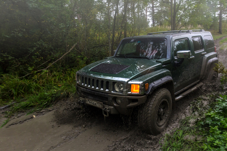 09092017. Leningrad region. Russia. Hummer h3 off-road. Hummer h3 is a compact SUV manufactured by GM