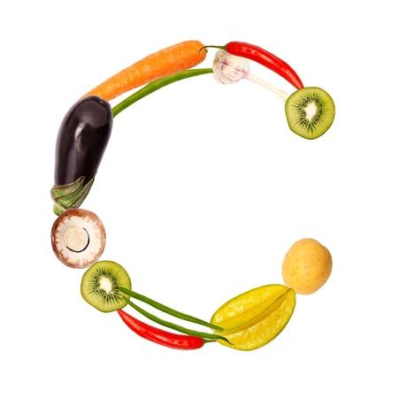 lettre alphabet: La lettre c, construit avec divers fruits et légumes, fonte complète disponible Banque d'images