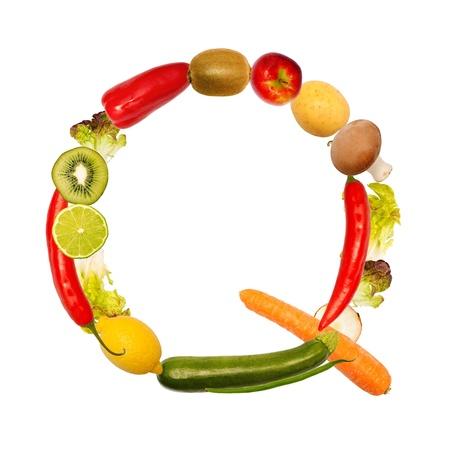 herbolaria: La letra q, construido con varias frutas y verduras, fuente disponible completa Foto de archivo
