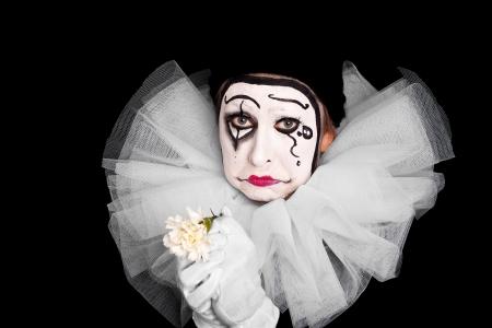 mimo: payaso femenino con el coraz�n roto Foto de archivo