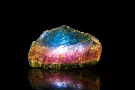 トルマリン スイカ鉱物石、黒背景