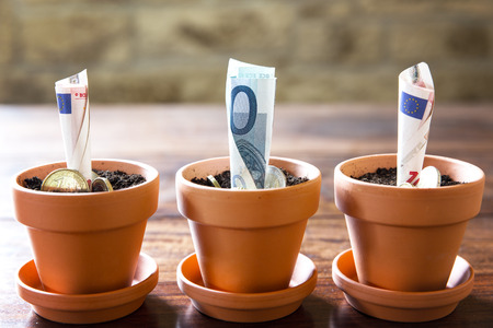billets euros: planification et d'investissement avec des billets et pi�ces en euros notion financi�re