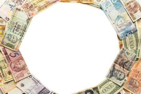 Cercle de différents billets isolé sur blanc Banque d'images - 37928570