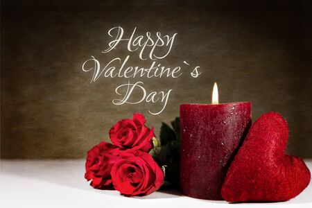 bougie coeur: Background happy valentine`s day, red candle and roses with heart