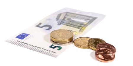 Nouveau salaire minimum en Allemagne, salaire horaire de 8,84 euros, monnaie sur fond blanc
