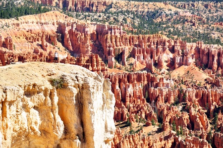 the height of a rim: The ascension along the rim trail of the Bryce canyon is rewarded with an outstanding view, Bryce Canyon NP, Utah