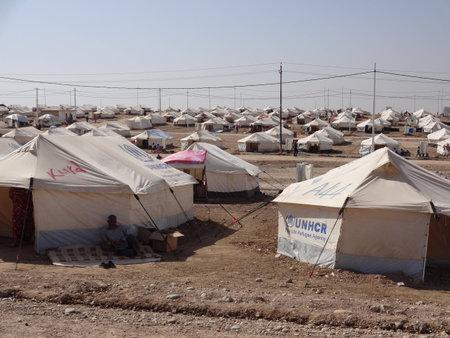 Veel tenten in Gawilah gawilan kamp, ??vlakbij Bardarash, Koerdistan, Irak Stockfoto - 25900793