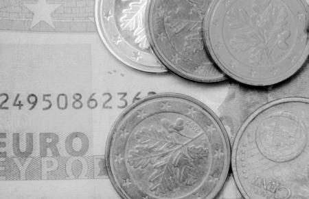 Geld Euro-Münzen und Banknoten