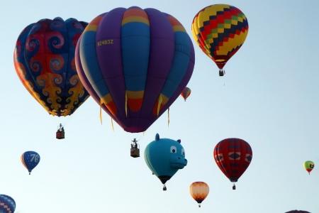 Sıcak hava balonu uçan asansör kapalı