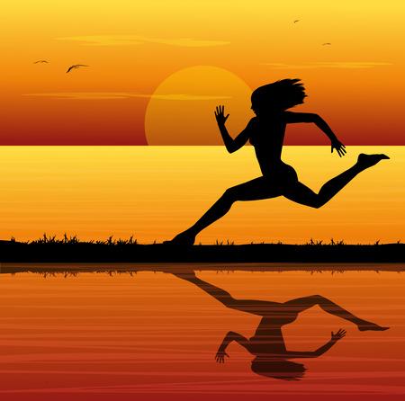 Silhouette der Frau l�uft bei Sonnenuntergang auf dem Meer
