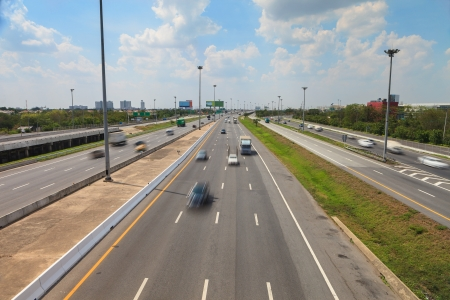 expressway: Highway with lots of cars