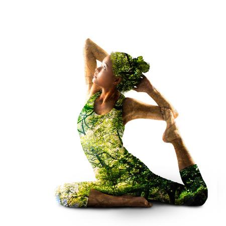 exposición: Combinar la naturaleza con el yoga espiritual Foto de archivo