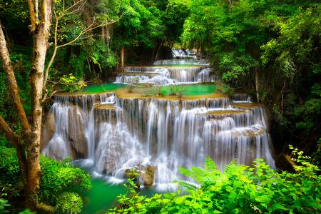 Huay Mae Kamin Thailand waterfall in Kanjanaburi 版權商用圖片 - 42151853
